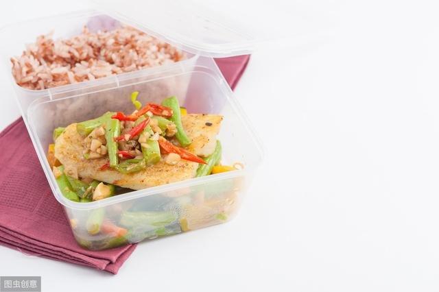 4 sai lầm phổ biến trong việc bảo quản và sử dụng lại thức ăn thừa vào mùa hè mà nhiều người mắc phải - Ảnh 2.