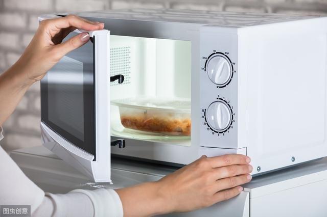 4 sai lầm phổ biến trong việc bảo quản và sử dụng lại thức ăn thừa vào mùa hè mà nhiều người mắc phải - Ảnh 4.