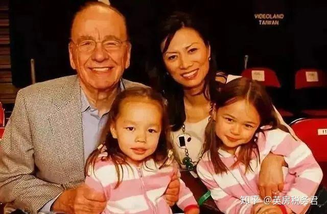 Sống trong gia đình bố mẹ ly hôn, hai con gái nhà tỷ phú đã lớn lên thế nào, cách giáo dục của người mẹ thực sự đáng để phụ huynh học hỏi - Ảnh 2.