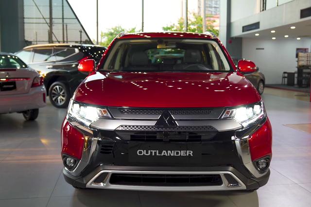 Bán chạy đột biến, Mitsubishi vẫn ồ ạt khuyến mại mọi dòng xe, quyết đuổi Kia về thị phần - Ảnh 2.