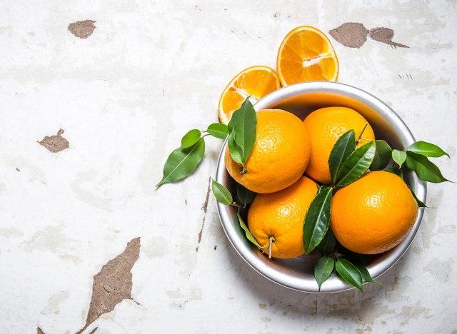 Điều gì xảy ra với cơ thể khi bạn ăn cam đều đặn mỗi ngày? - Ảnh 2.