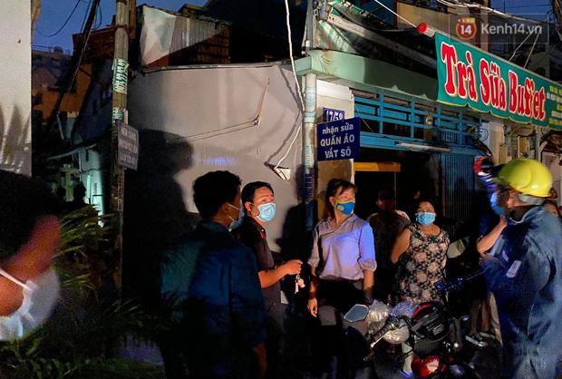 Ảnh: Hiện trường vụ cháy kinh hoàng khiến 7 người mắc kẹt tử vong thương tâm ở Sài Gòn - Ảnh 15.