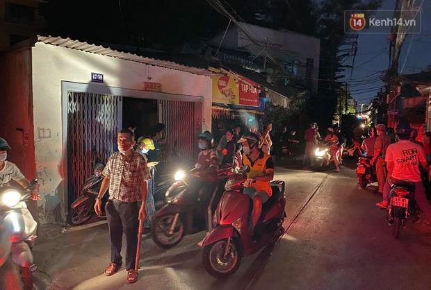 Ảnh: Hiện trường vụ cháy kinh hoàng khiến 7 người mắc kẹt tử vong thương tâm ở Sài Gòn - Ảnh 20.