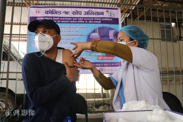 Hơn 8600 ca nhiễm Covid-19/ngày: Có một Ấn Độ thu nhỏ đang nóng lên tại Châu Á - Ảnh 4.