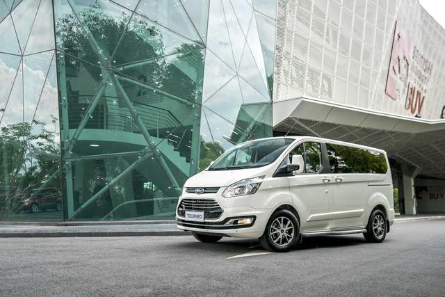 Ford Tourneo ngừng lắp ráp tại Việt Nam: Đứng trước nguy cơ bị khai tử, thêm rộng đường cho Kia Sedona - Ảnh 1.