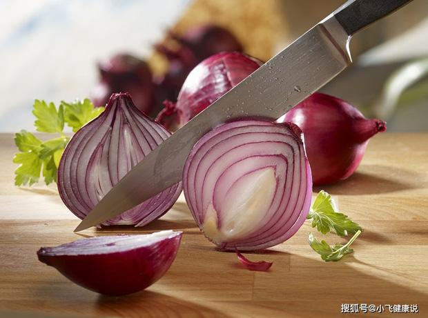 Hành tây là vua chống ung thư nhưng có 5 loại thực phẩm không nên ăn cùng nó kẻo mang thêm bệnh vào người - Ảnh 1.