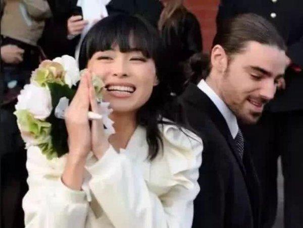 Cô gái Trung Quốc từ nhân viên bán hàng bình thường một bước thành Công nương nước Bỉ với chuyện tình lãng mạn hơn cả cổ tích - Ảnh 4.