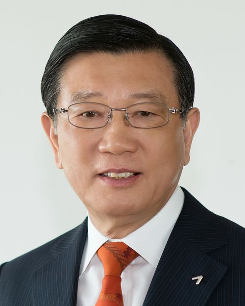Thăng trầm cuộc đời 2 ông trùm chaebol của ngành hàng không Hàn Quốc: Kẻ tay trắng đi lên, kẻ giàu sang từ nhỏ nhưng đều kết thúc sau song sắt - Ảnh 5.