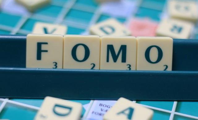 Nền kinh tế FOMO: Ai cũng kiếm bộn tiền chỉ sau 1 đêm, chỉ riêng bạn thì không? - Ảnh 1.