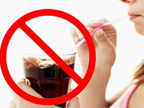 Đàn ông sống lâu có 4 đặc điểm sau khi uống nước: Đừng chủ quan mà đánh mất sức khỏe - Ảnh 3.