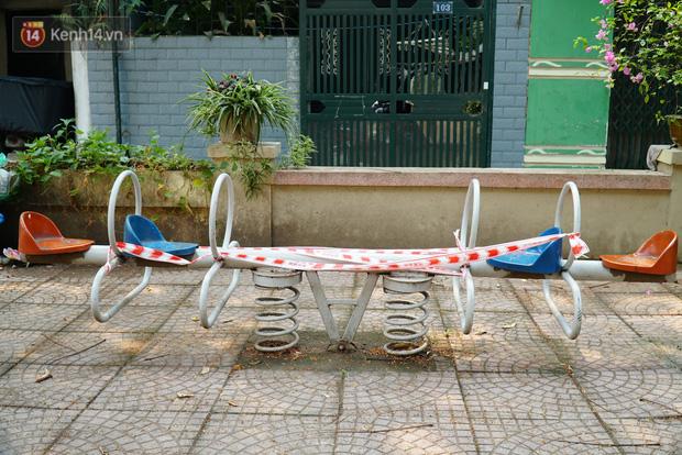 Hà Nội: Phong toả hàng loạt máy tập thể dục ngoài trời, khu vui chơi trẻ em để phòng dịch Covid-19 - Ảnh 8.