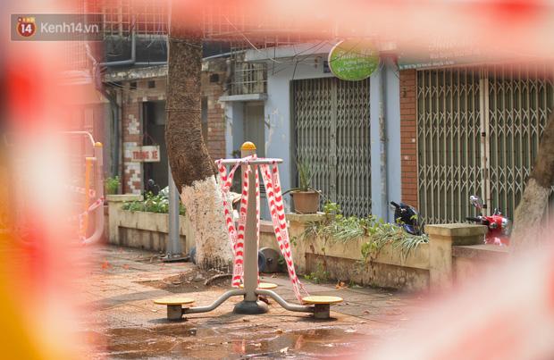 Hà Nội: Phong toả hàng loạt máy tập thể dục ngoài trời, khu vui chơi trẻ em để phòng dịch Covid-19 - Ảnh 10.