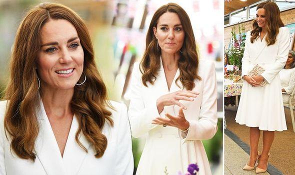 Công nương Kate đọ sắc với các Đệ nhất phu nhân trong bộ đầm giản dị, trở thành tâm điểm chú ý bởi loạt hành động tinh tế - Ảnh 2.