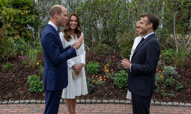 Công nương Kate đọ sắc với các Đệ nhất phu nhân trong bộ đầm giản dị, trở thành tâm điểm chú ý bởi loạt hành động tinh tế - Ảnh 12.