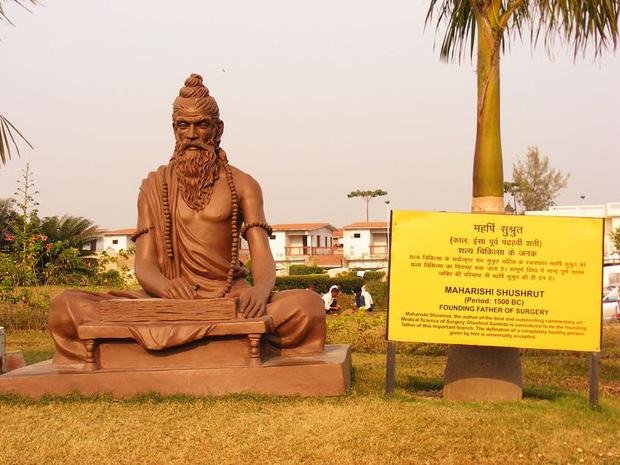 16 thứ độc nhất vô nhị chỉ có thể bắt gặp tại đất nước tỷ dân Ấn Độ: Từ bức tượng cao nhất thế giới đến Đồi Nam Châm hút xe lên dốc - Ảnh 2.