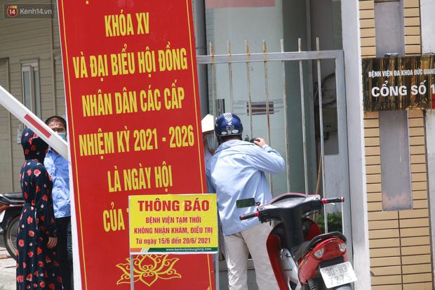 Ảnh: Bệnh viện Đức Giang ngừng tiếp nhận bệnh nhân sau 2 ca dương tính SARS-CoV-2 - Ảnh 9.