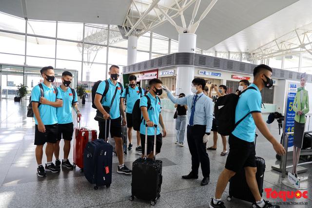 Đội tuyển Việt Nam sẽ chỉ phải cách ly 7 ngày sau khi về nước - Ảnh 1.