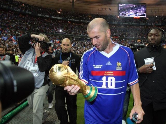 Cuộc chiến của những thương hiệu kỳ phùng địch thủ tại EURO 2020 - Ảnh 8.