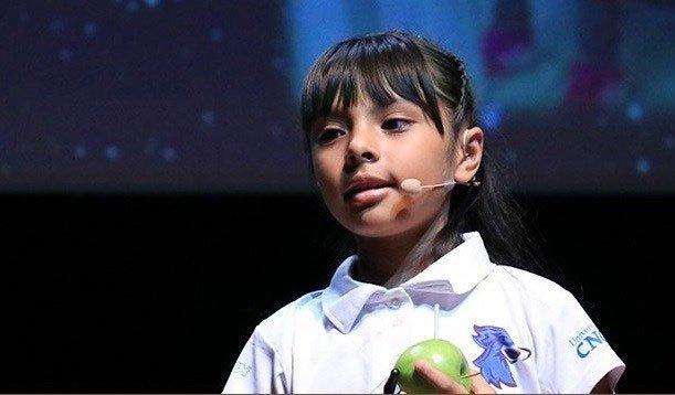 Sở hữu IQ vô cực,  cô bé Einstein nhí của Mexico khiến thế giới ngỡ ngàng về trí tuệ phi phàm dù mới 9 tuổi - Ảnh 2.