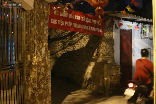 Nóng bủa vây cả đêm ở xóm chạy thận Hà Nội: Cả căn phòng cứ như cái lò nung, mỗi ngày chỉ ngủ được 2-3 tiếng - Ảnh 13.