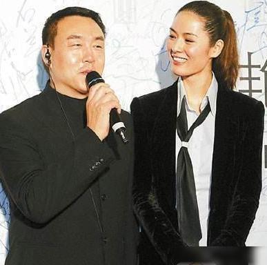 Đệ nhất người mẫu châu Á bị cắm sừng, bỏ chồng về quê làm ruộng và cuộc sống bất ngờ với tài sản 23.000 tỷ đồng  - Ảnh 3.