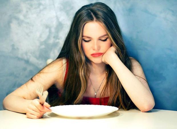 Cơ thể bạn có thể bị tàn phá như thế nào nếu ăn kiêng không đúng cách? - Ảnh 1.