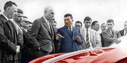 Ferrari đổ dầu vào vạc lửa Lamborghini: Ông là một tên lái máy kéo, đừng cằn nhằn về xe của tôi! - Ảnh 2.