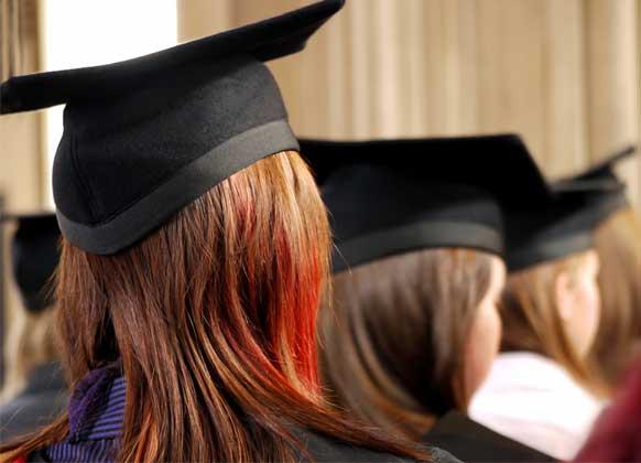 Sau khi tốt nghiệp nên ở lại thành phố hay về quê lập nghiệp? Trước khi ra quyết định hãy nắm chắc điều này - Ảnh 2.