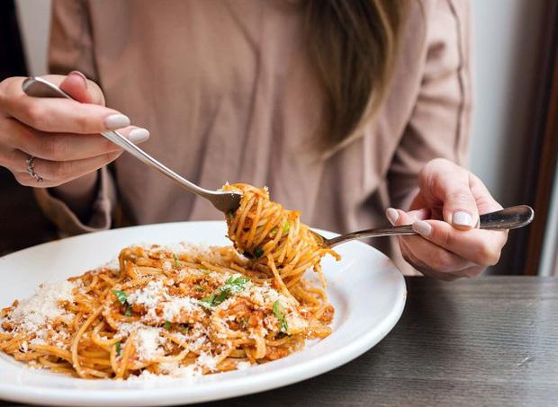 Cơ thể bạn có thể bị tàn phá như thế nào nếu ăn kiêng không đúng cách? - Ảnh 3.