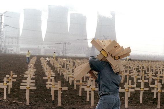 Thảm họa nhân tạo lớn nhất trong lịch sử nhân loại, giết chết gần 100.000 người, ảnh hưởng đến Trái Đất trong 800 năm - Ảnh 2.