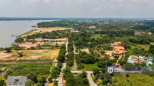 Toàn cảnh Nhà thờ Tổ 100 tỷ của NS Hoài Linh: Trải dài 7000m2, nội thất hoành tráng sơn son thếp vàng, nuôi động vật quý hiếm - Ảnh 1.
