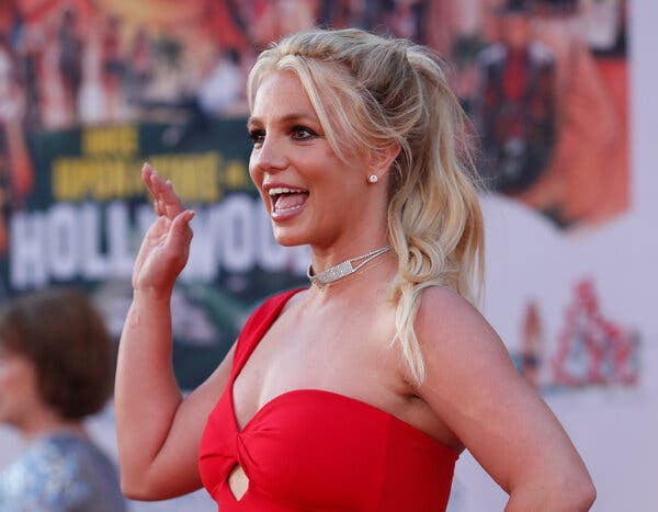 Nỗi cay đắng không biết tỏ cùng ai của Britney Spears: Tiền kiếm ra không được tiêu, bị cướp đi quyền tự do cơ bản của con người - Ảnh 1.