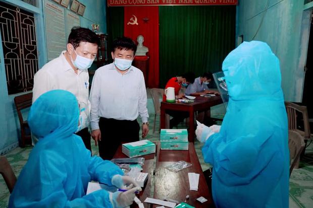 Người bán rau ở chợ đầu mối nông sản lớn nhất Nghệ An dương tính với SARS-CoV-2 - Ảnh 1.