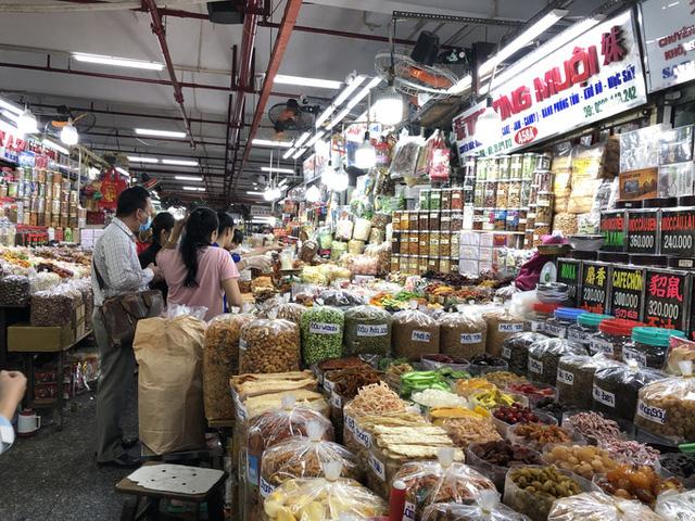 TP Hồ Chí Minh đề nghị phát phiếu đi chợ, tiểu thương bán luân phiên - Ảnh 1.