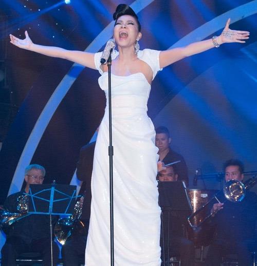 """Phó Thủ tướng Vũ Đức Đam cùng nhiều nghệ sĩ nổi tiếng góp mặt trong buổi hòa nhạc trực tuyến """"Chia sẻ để gần nhau hơn"""" - Ảnh 7."""