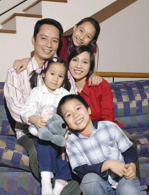 Quan điểm dạy con khác người đang thu về nhiều trái ngọt của diva hàng đầu làng nhạc Việt: 3 người con đều khôn lớn, thành tài, đứa giật học bổng Anh quốc, đứa học thạc sĩ ở Australia - Ảnh 1.