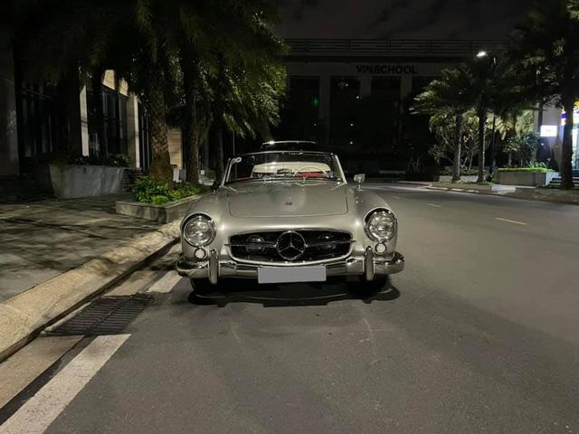 Thêm hàng cổ Mercedes-Benz 190SL xuất hiện tại Sài Gòn, phần mui xếp và bộ mâm là chi tiết gây nghi ngờ - Ảnh 1.