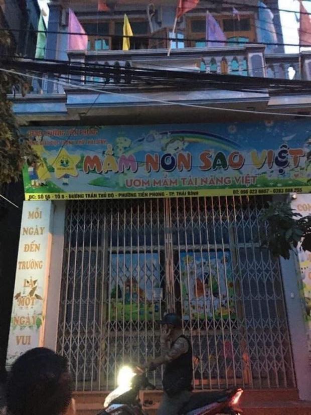 Phẫn nộ clip người phụ nữ khống chế, nhét giẻ vào miệng bé trai mẫu giáo tại Thái Bình - Ảnh 2.