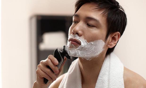 2 thời điểm nam giới không nên cạo râu, nếu không càng cạo râu càng mọc nhanh, thậm chí có thể gây nhiễm trùng, lở loét da mặt - Ảnh 2.