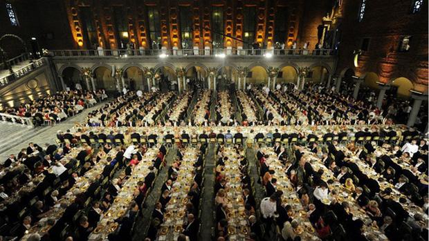 Làm thế nào để bếp trưởng chuẩn bị phần ăn cho những bữa tiệc sang trọng đón hàng nghìn khách một lúc? - Ảnh 1.