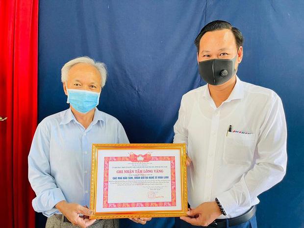 NS Hoài Linh cuối cùng đã giải ngân xong 15,2 tỷ đồng, kết thúc chuyến từ thiện cứu trợ miền Trung - Ảnh 2.