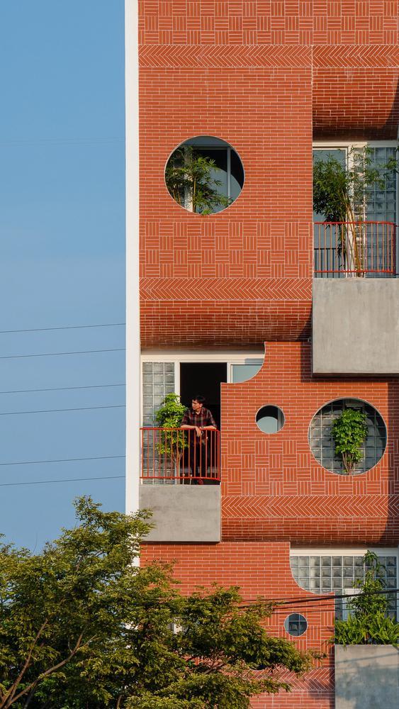 Ngôi nhà ống có kiến trúc độc lạ ở Đà Nẵng được báo nước ngoài rầm rộ đưa tin - Ảnh 13.