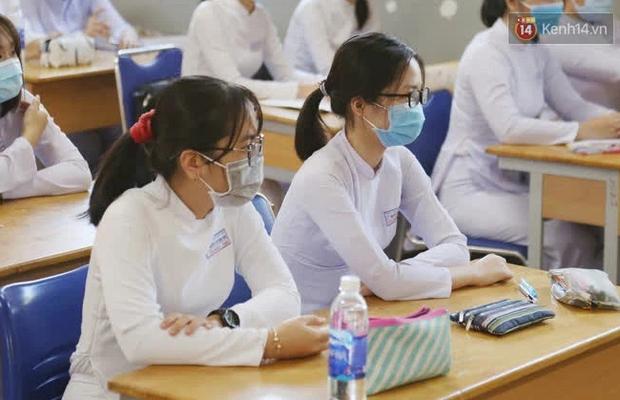 Thi lớp 10 ở Hà Nội: Không bật điều hoà, cha mẹ không được tập trung ở cổng trường - Ảnh 3.
