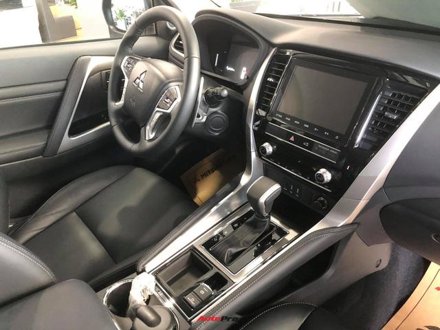 Mitsubishi Pajero Sport giảm kỷ lục 150 triệu đồng tại đại lý - Lựa chọn giá hời trước Toyota Fortuner và Ford Everest - Ảnh 2.