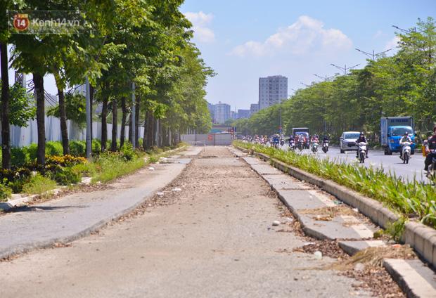 Ảnh: Đại lộ nghìn tỷ Chu Văn An nhếch nhác rác thải, vật liệu xây dựng sau 7 năm thi công - Ảnh 11.