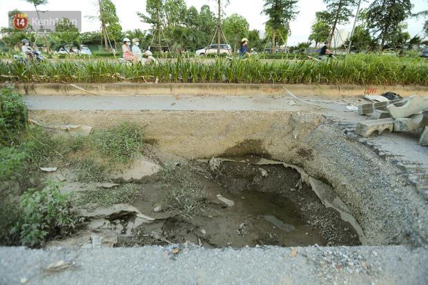 Ảnh: Đại lộ nghìn tỷ Chu Văn An nhếch nhác rác thải, vật liệu xây dựng sau 7 năm thi công - Ảnh 12.