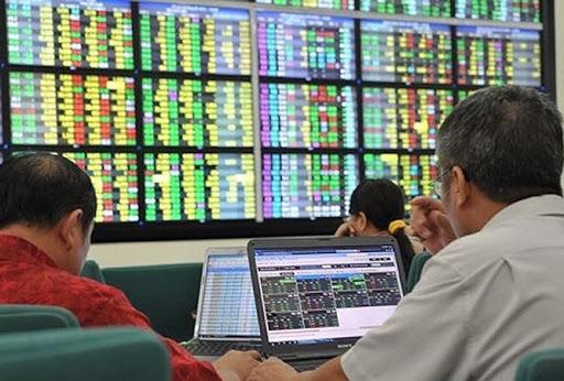 Thị trường chứng khoán tiềm ẩn rủi ro từ sự tăng nóng - Ảnh 2.