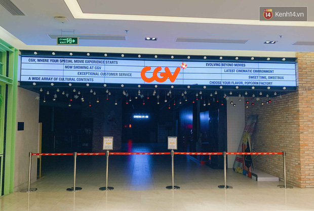 Trung tâm thương mại ở Hà Nội vắng chưa từng thấy giữa đợt Covid-19 thứ 4: Người dân đến chỉ để đi siêu thị? - Ảnh 20.