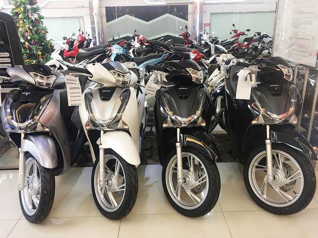 Xe máy ế ẩm, giá Honda SH bất ngờ lao dốc, nhiều mẫu xe khác đồng loạt giảm sâu - Ảnh 1.