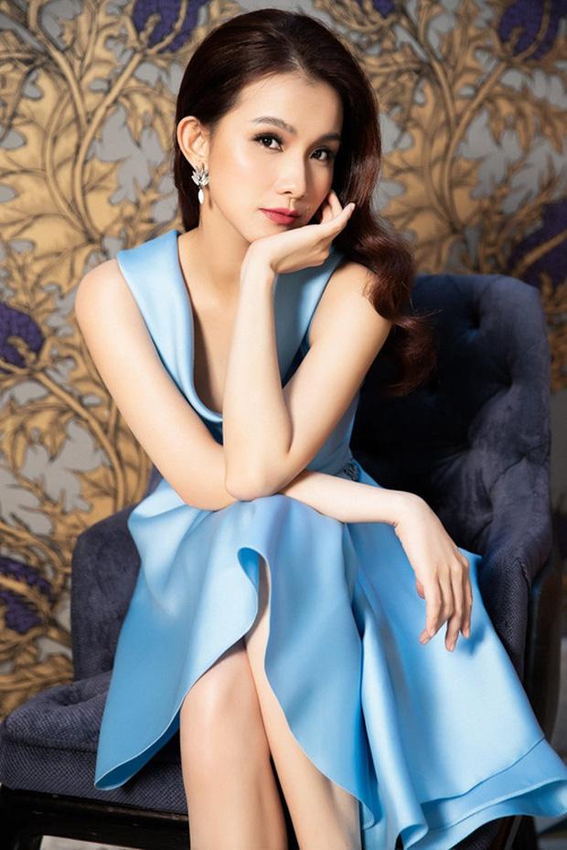 Hoa hậu Hoàn vũ Việt Nam đầu tiên trong lịch sử: Lấy chồng rồi biệt tích hơn 10 năm, giờ có cặp nhóc tỳ nhìn phát mê, quan điểm giáo dục đáng học hỏi - Ảnh 2.